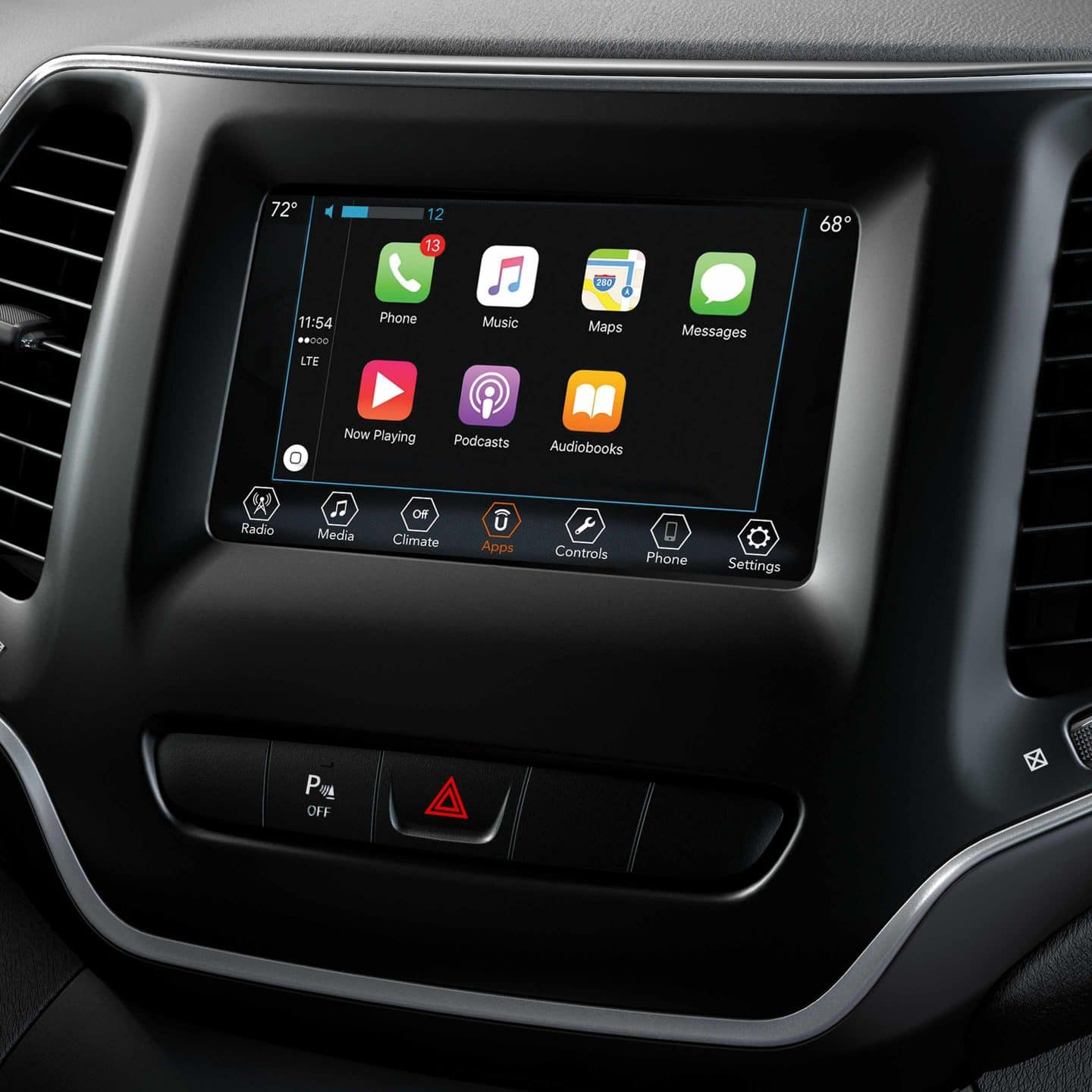 2019 Jeep Cherokee Infotainment Panel displaying apple car play screen