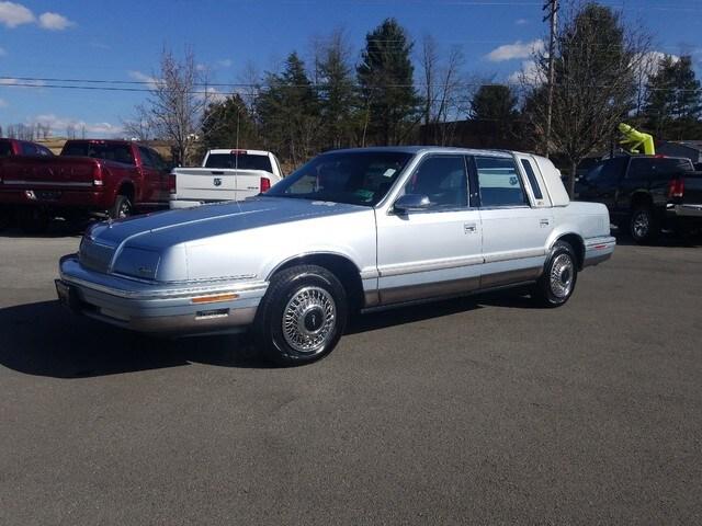 1992 Chrysler Fifth Avenue Fifth Avenue Sedan