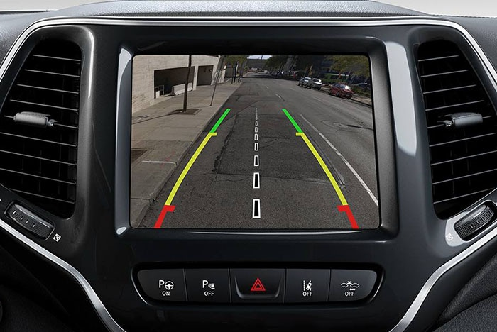 2019 Jeep Cherokee ParkView rear back-up camera display