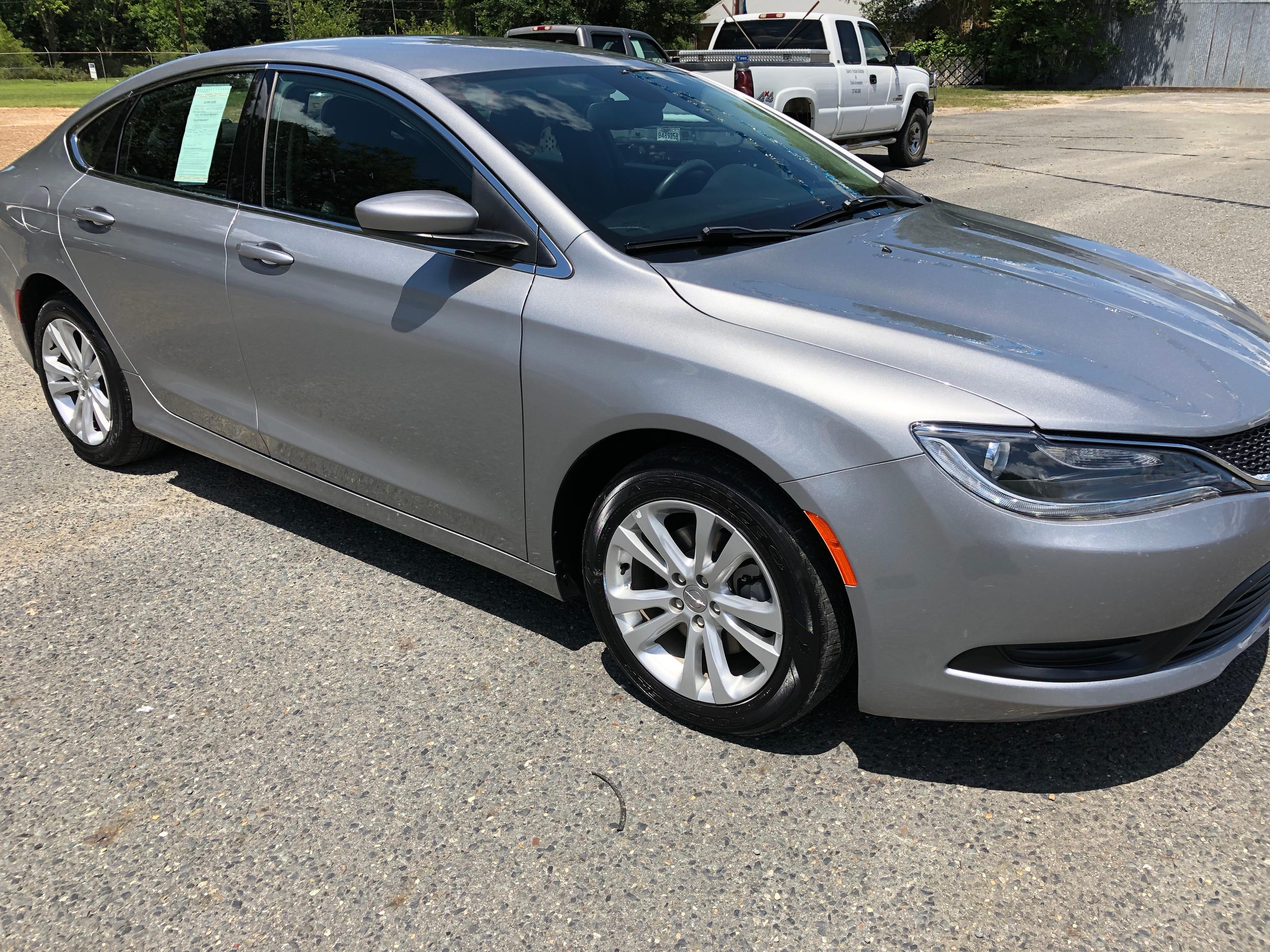 2016 Chrysler 200 4 Door