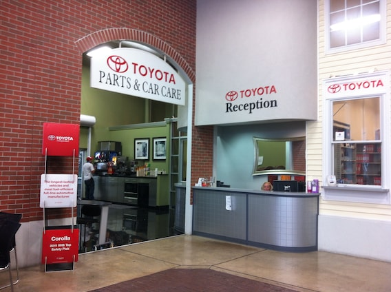 Green'S Toyota Service >> Service Center At Green Toyota Green Toyota