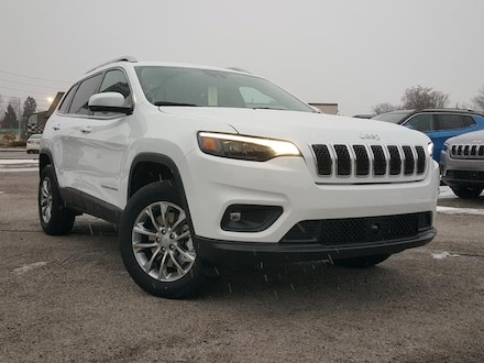 Featured New 2021 Jeep Cherokee LATITUDE PLUS 4X4 Sport Utility for Sale in Cortland, OH