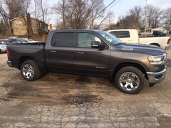 New 2019 Ram 1500 BIG HORN / LONE STAR CREW CAB 4X4 5'7 BOX Crew Cab 1C6SRFFT2KN531524 For Sale in Cortland