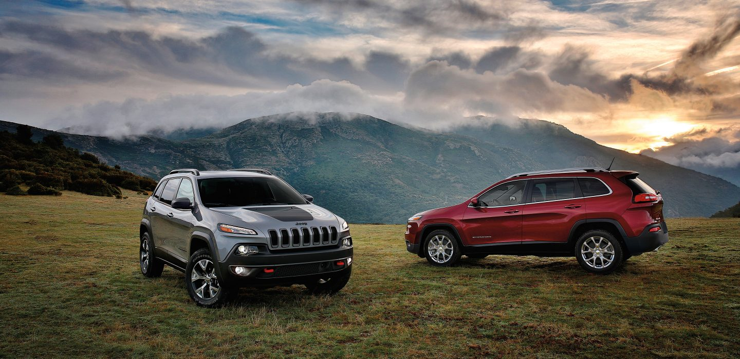 2017 Jeep Cherokee Gray and Red Exteriors