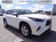 New 2021 Toyota Highlander LE SUV for sale in East Providence