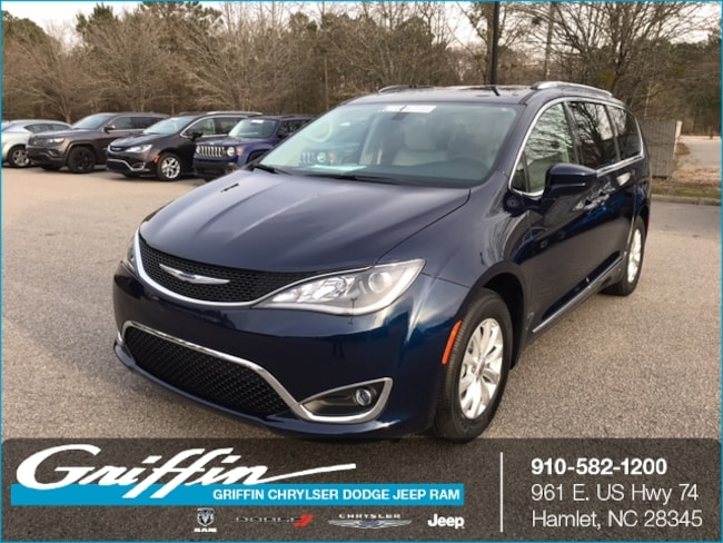 2018 Chrysler Pacifica TOURING L Passenger Van Rockingham