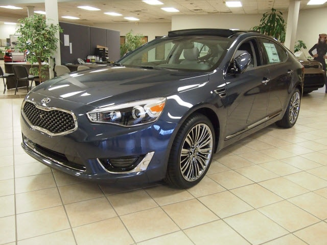 2015 Kia Cadenza Limited FWD Sedan