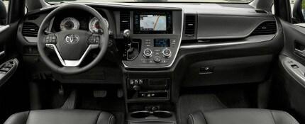 2017 Dodge Grand Caravan Vs 2017 Toyota Sienna In Milwaukee Wi