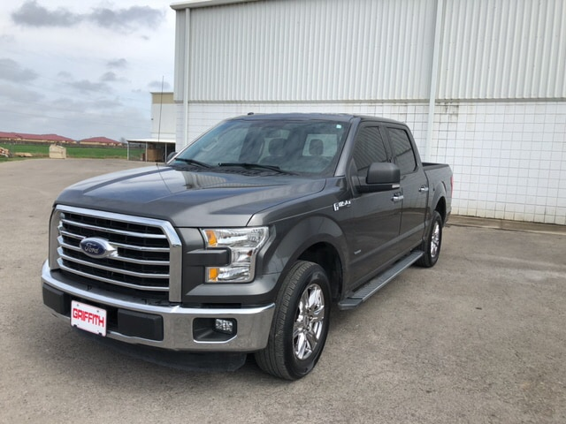 2015 Ford F-150 XLT 4x2 SuperCrew Cab Styleside 5.5 ft. box 145 in Truck SuperCrew Cab