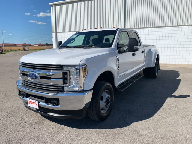 2018 Ford F-350 XLT 4x4  Crew Cab 8 ft. box 176 in. WB DRW Truck Crew Cab