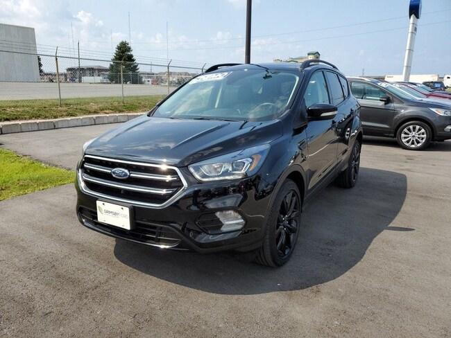 2018 Ford Escape TITANIUM | DEMO | SPORT GROUP | NAV | ROOF SUV
