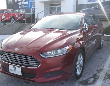 2014 Ford Fusion SE FWD | JUST TRADED | LOW KMS | SYNC Sedan