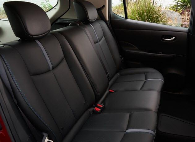 2018 Nissan LEAF seats