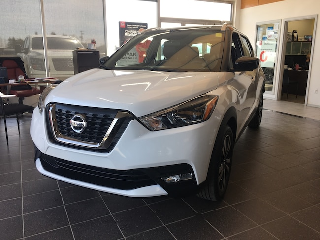 2019 Nissan Kicks SR Hatchback