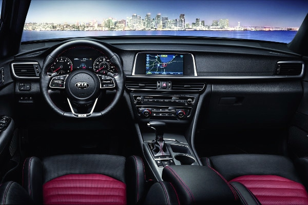 The dashboard of the 2019 Kia Optima