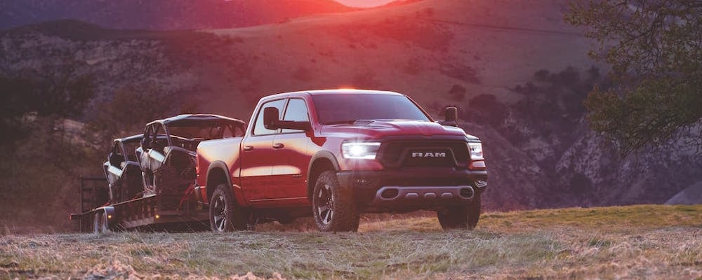 How Much Can A Ram 1500 Tow >> 2019 Ram 1500 Engines Towing Capacity Hemi V8 Vs Pentastar V6