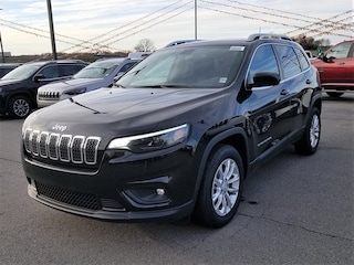 New 2019 Jeep Cherokee LATITUDE FWD Sport Utility for sale near you in Morrilton, AR
