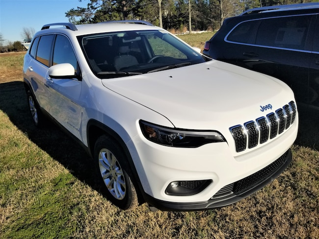 New vehicle 2019 Jeep Cherokee LATITUDE FWD Sport Utility For sale near you in Morrilton, AR