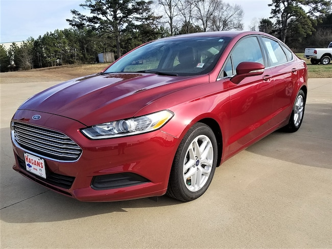 Used vehicle 2016 Ford Fusion SE Sedan for sale near you in Morrilton, AR