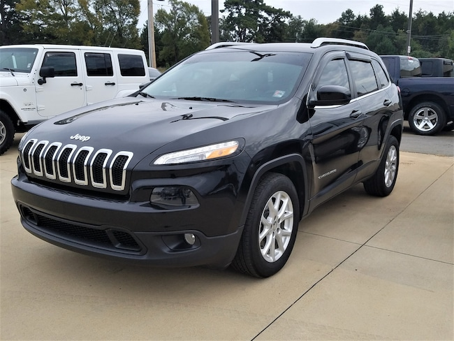 Used vehicle 2015 Jeep Cherokee Latitude FWD SUV for sale near you in Morrilton, AR