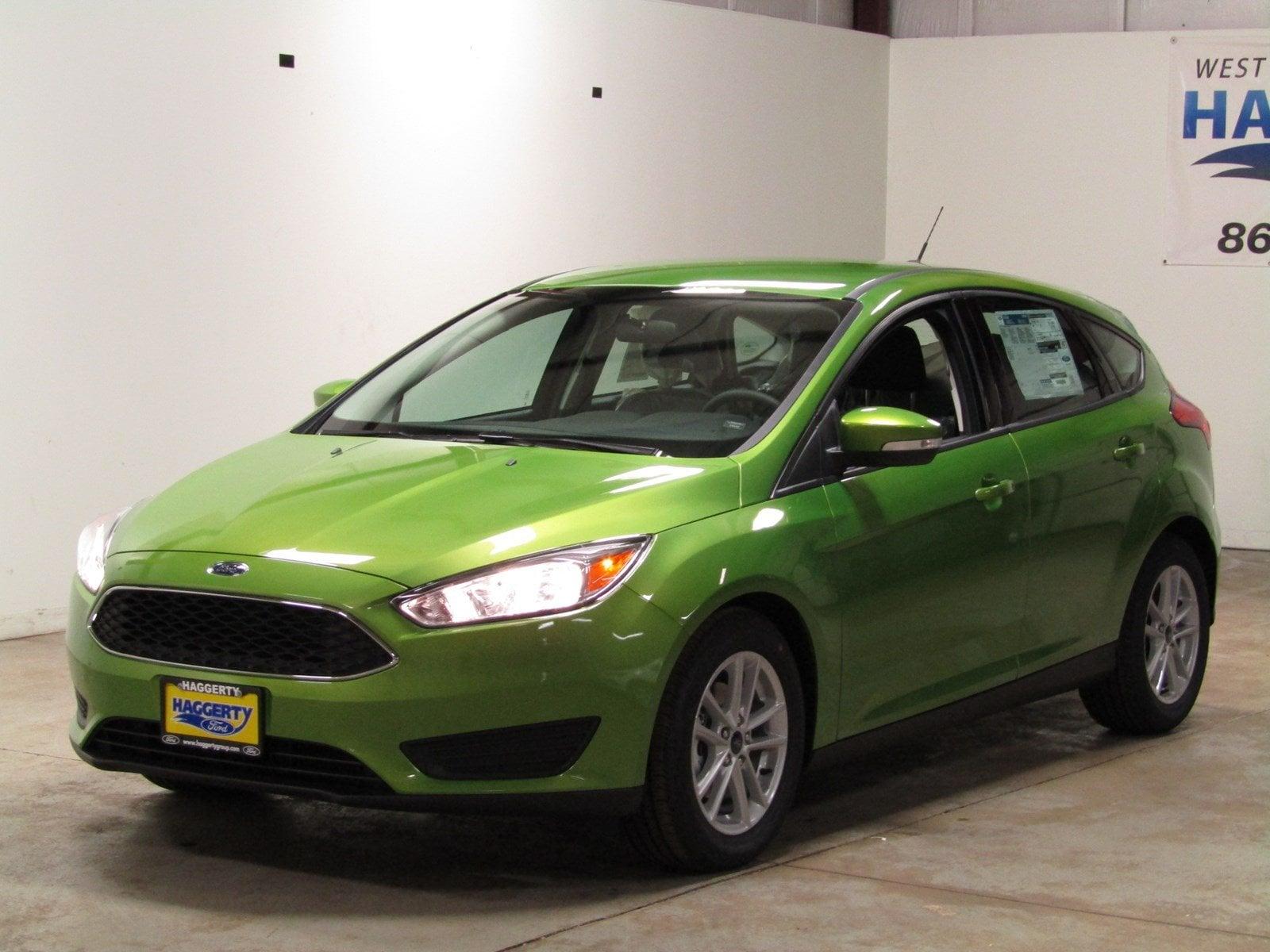 2018 Ford Focus SE Hatchback 200A SE Hatch