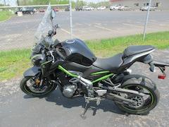 2017 Kawasaki ZR900 Motorcycle