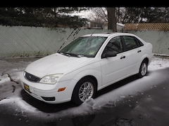 2005 Ford Focus ZX4 SE ZX4 SE  Sedan