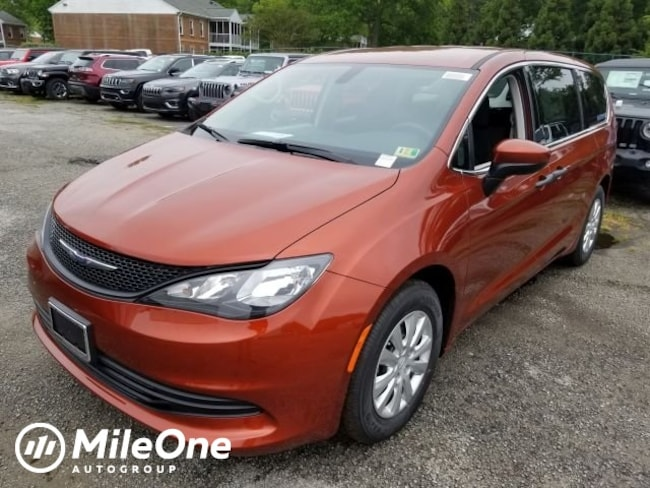 New 2018 Chrysler Pacifica L Passenger Van for sale in Virginia Beach