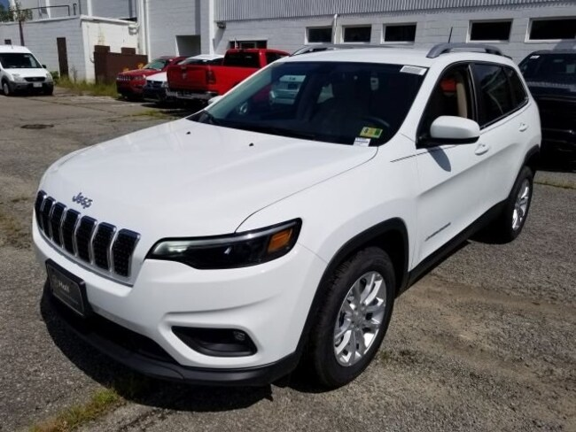 New 2019 Jeep Cherokee LATITUDE FWD Sport Utility for sale in Virginia Beach