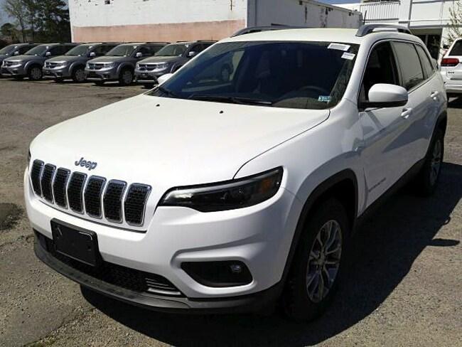 New 2019 Jeep Cherokee LATITUDE PLUS 4X4 Sport Utility for sale in Virginia Beach