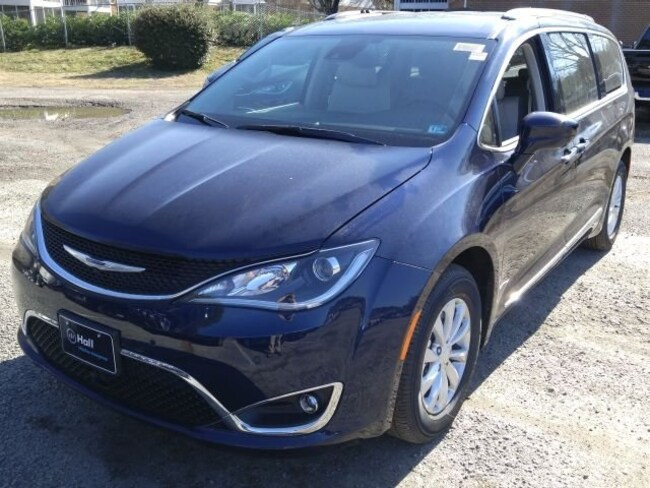 New 2019 Chrysler Pacifica TOURING L Passenger Van for sale in Virginia Beach