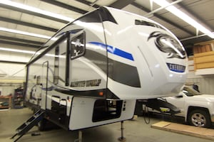 2018 Arctic Wolf 265 DBH6 REAR DOUBLE BUNKS !!!