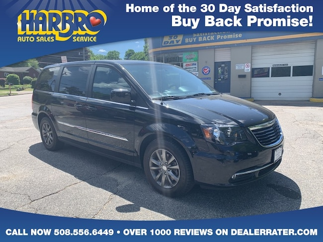 2015 Chrysler Town & Country S Vans & Commercial Vehicles