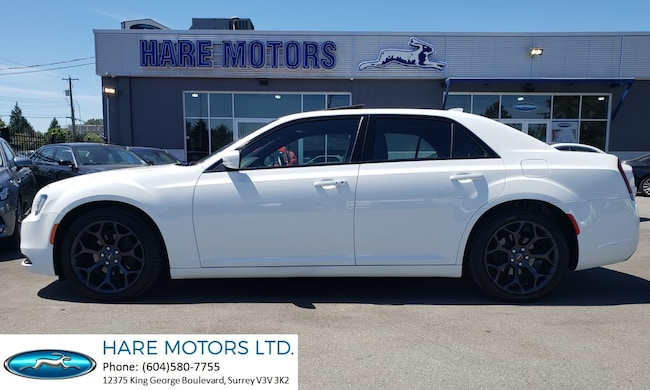2019 Chrysler 300 S w / Navigation, Backup Cam & Roof Sedan
