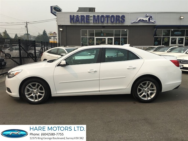 2016 Chevrolet Malibu LT w / Backup Camera & Power Sunroof Sedan