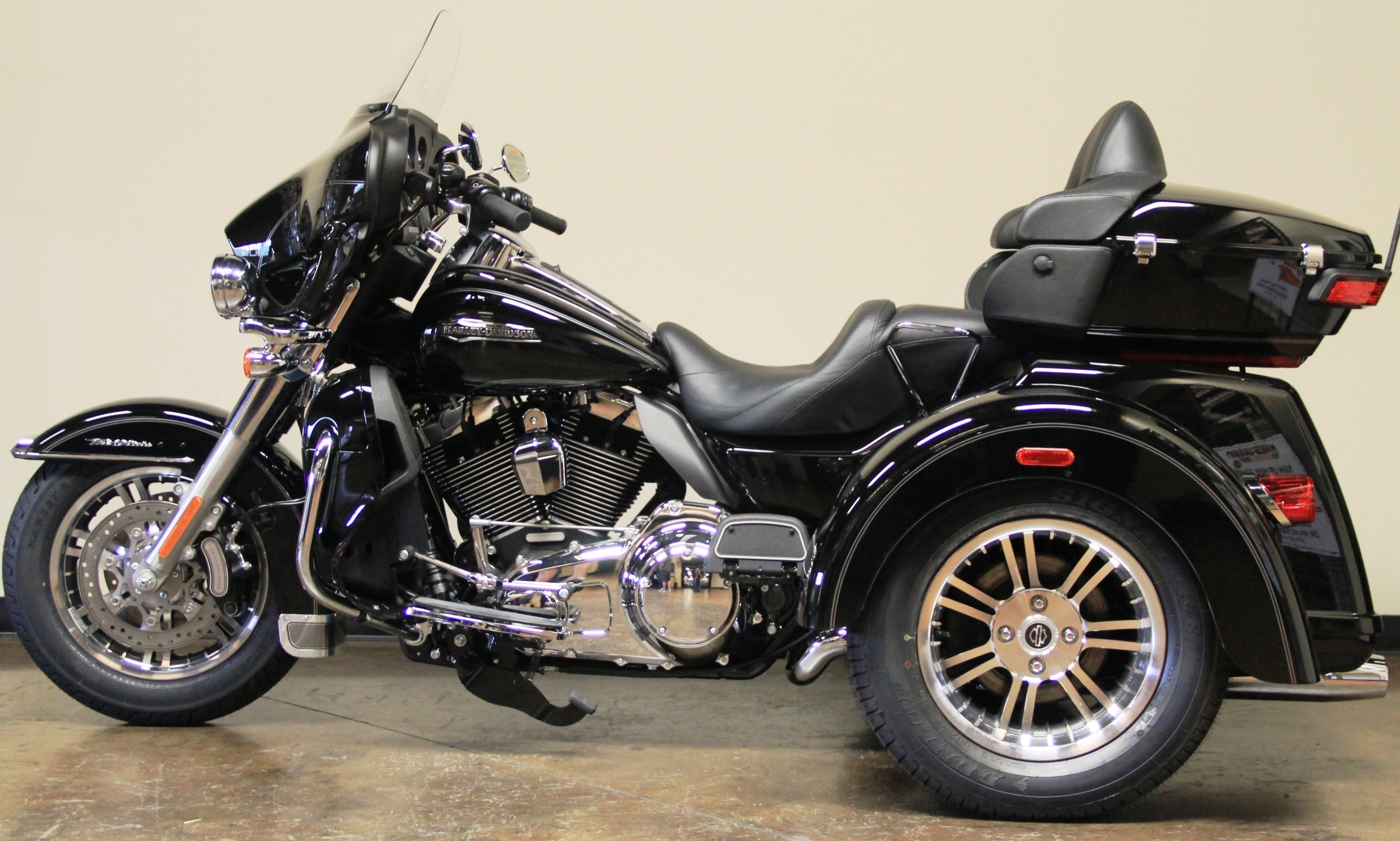 2014 Harley Davidson Flhtcutg Tri Glide Ultra Classic Review: Object Moved