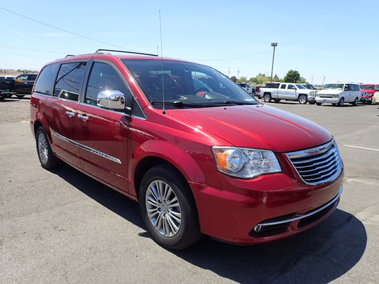 Used 2013 Chrysler Town & Country Touring-L Van in Hermiston