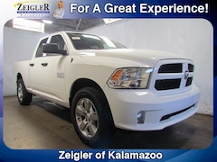 New Chrysler Dodge Jeep Ram 2018 Ram 1500 EXPRESS QUAD CAB 4X4 6'4 BOX Quad Cab 1C6RR7FG4JS326956 for sale in Kalamazoo, MI