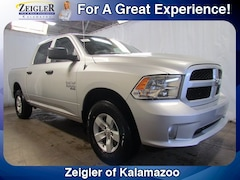 New Chrysler Dodge Jeep Ram 2019 Ram 1500 Classic EXPRESS CREW CAB 4X4 5'7 BOX Crew Cab 1C6RR7KGXKS537960 for sale in Kalamazoo, MI