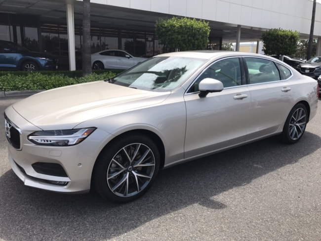 New 2018 Volvo S90 T6 AWD Momentum Sedan for sale/lease in Fresno, CA