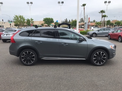 New 2017 Volvo V60 Cross Country For Sale at Harris Volvo