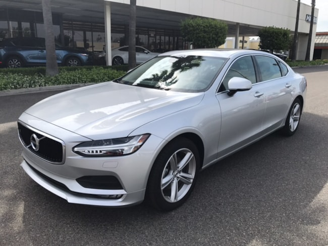 New 2018 Volvo S90 T5 AWD Momentum Sedan for sale/lease in Fresno, CA