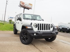 New 2019 Jeep Wrangler UNLIMITED SPORT ALTITUDE 4X4 Sport Utility 1C4HJXDN7KW623047 for sale in Dover, OH