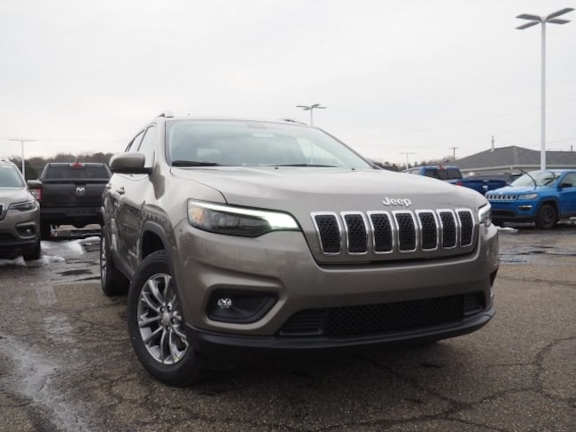new 2019 Jeep Cherokee LATITUDE PLUS 4X4 Sport Utility For Sale/Lease Dover, OH
