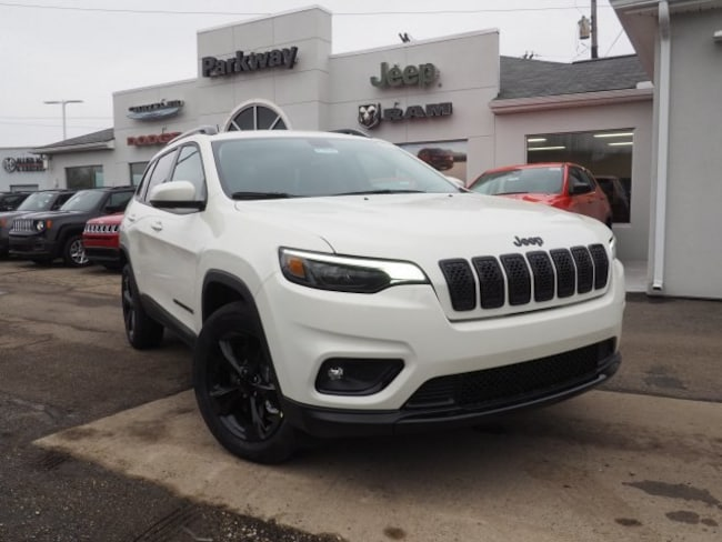 new 2019 Jeep Cherokee ALTITUDE 4X4 Sport Utility For Sale/Lease Dover, OH