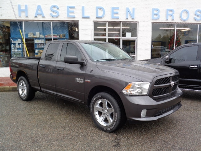 2015 Ram 1500 Tradesman/Express Crew Cab Short Bed Truck
