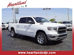in Excelsior Springs, MO 2019 Ram 1500 BIG HORN / LONE STAR CREW CAB 4X4 5'7 BOX Crew Cab in Excelsior Springs, MO