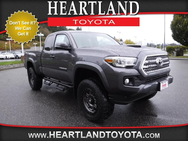 2017 Toyota Tacoma TRD Sport Truck Access Cab