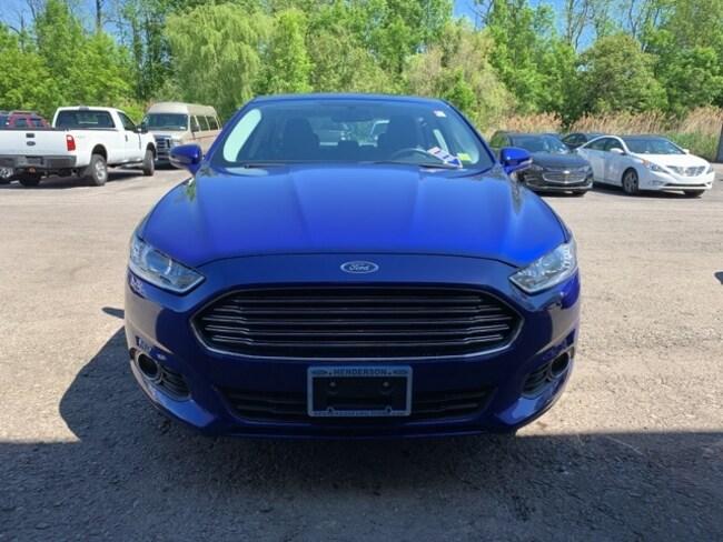2016 Ford Fusion SE Sedan