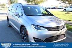 New 2019 Chrysler Pacifica LIMITED Passenger Van D190349 Concord, NC